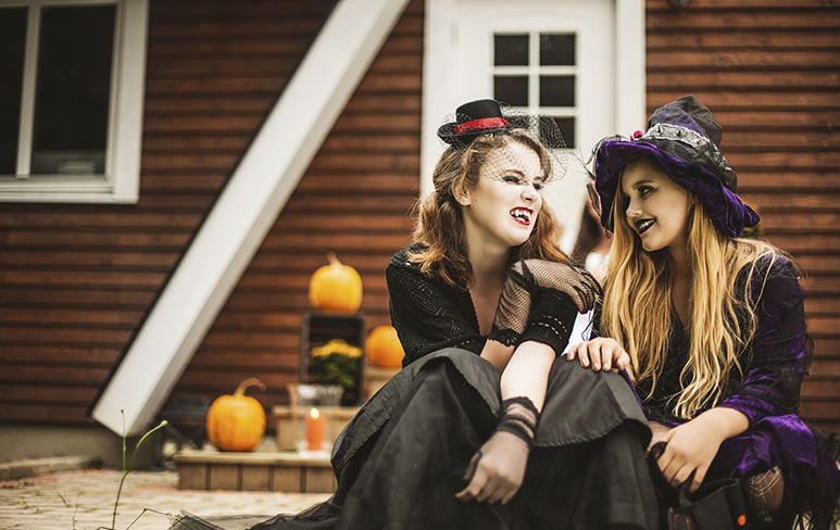 Four Easy Ways to Save on Halloween Costumes